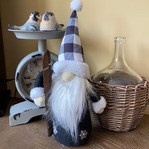 🆕 Modern Farmhouse Christmas Winter Holiday Buffalo Check Skiing Gnome